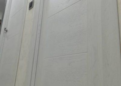 puertas blancas 1